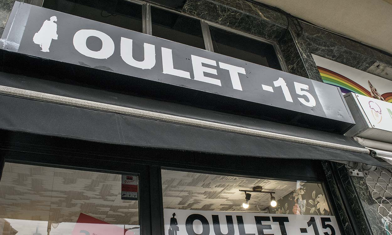 outlet--15-rotulo