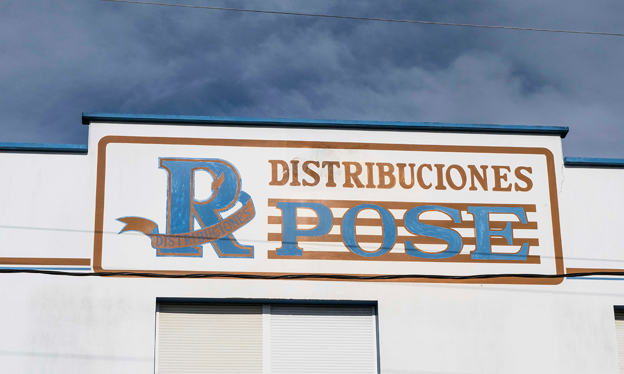 r-pose-distribuciones-placa
